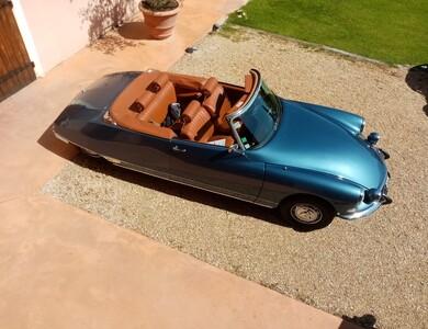 Citroen Ds 21 Cabriolet à Violes (Vaucluse)