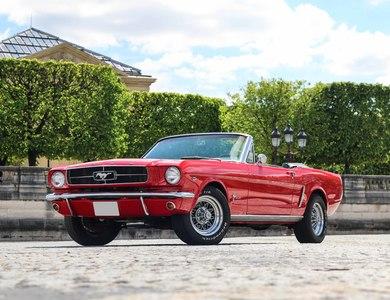 Ford Mustang à Paris (17ème arr.)