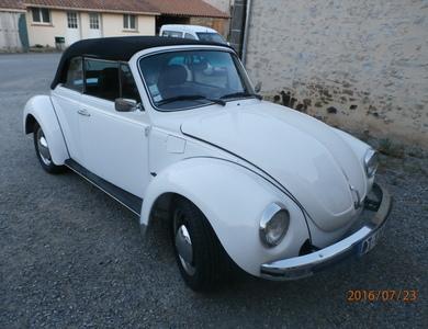 Volkswagen (vw) Coccinelle Cabriolet à Clisson (Loire-Atlantique)