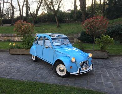 Citroen 2cv Bleue à Mareil-Marly (Yvelines)
