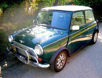 Austin Mini Cooper à Vaulx-en-Velin (Rhône)