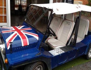 Austin Mini Moke Union Jack à Grimaud (Var)
