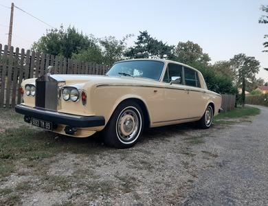 Rolls Royce Silver Shadow 2 à Eyzin-Pinet (Isère)