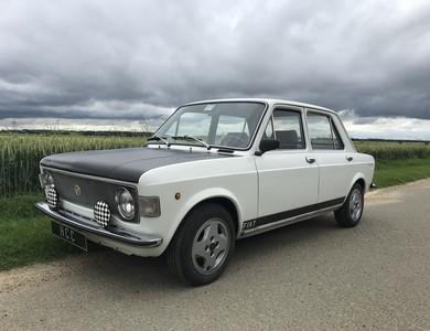 Fiat 128 Replica Rally à Pecqueuse (Essonne)