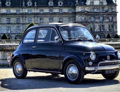 Fiat 500 à Puteaux (Hauts-de-Seine)