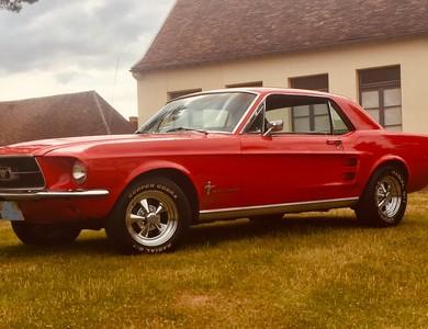 Ford Mustang (1ère Gen) à Beauvais (Oise)