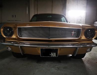 Ford Mustang (1ère Gen) à Paris (15ème arr.)