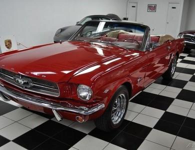 Ford Mustang Cabriolet V8 (1ère Gen) à Garéoult (Var)