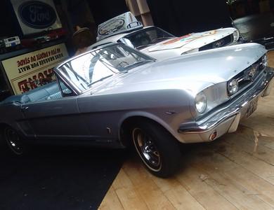 Ford Mustang Cabriolet Gris à Nanterre (Hauts-de-Seine)