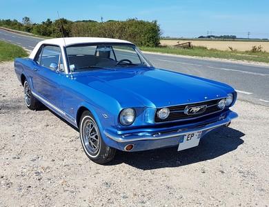 Ford Mustang à Châteaubleau (Seine-et-Marne)
