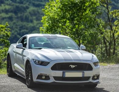 Ford Mustang Gt V8 à Chatuzange-le-Goubet (Drôme)