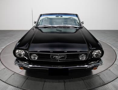 Ford Mustang à Lambesc (Bouches-du-Rhône)