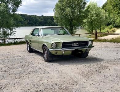 Ford Mustang à Les Ulis (Essonne)