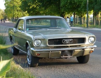 Ford Mustang à Saint-Cloud (Hauts-de-Seine)