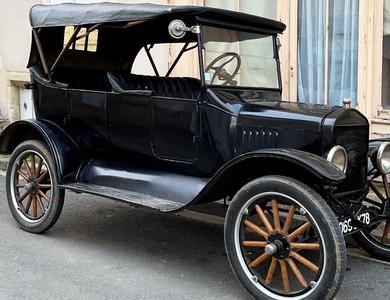 Ford T à Tannay (Nièvre)