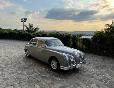 Jaguar Mk2 à Paris (17ème arr.)