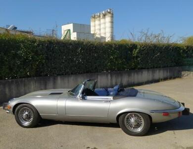 Jaguar Type E V12 Cabriolet à Vaulx-en-Velin (Rhône)
