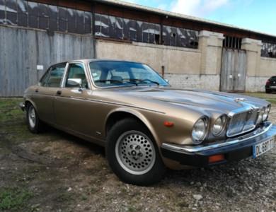 Jaguar Xj12 à Beaune (Côte-d'Or)