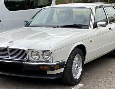 Jaguar Xj40 à Pont-de-l'Arche (Eure)