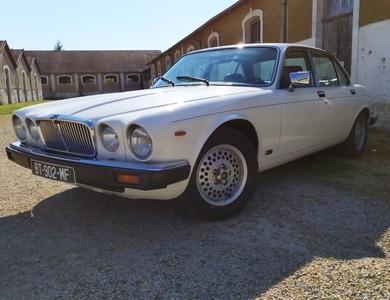 Jaguar Xj6 à Beaune (Côte-d'Or)