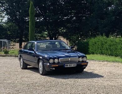 Jaguar Xj6 à Reignac (Charente)