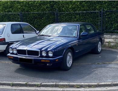 Jaguar Xj6 X300 à Châtillon (Hauts-de-Seine)