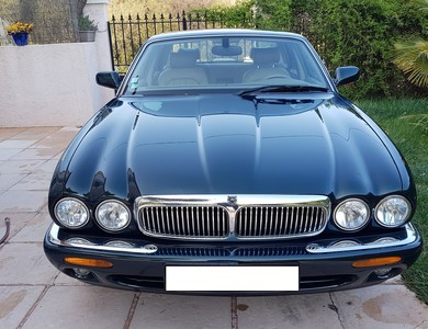 Jaguar Xj8 à Toulouse (Haute-Garonne)