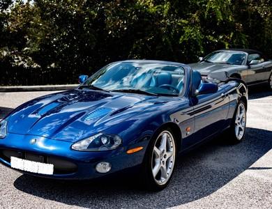 Jaguar Xkr 4.2 Cabriolet à Paris (17ème arr.)