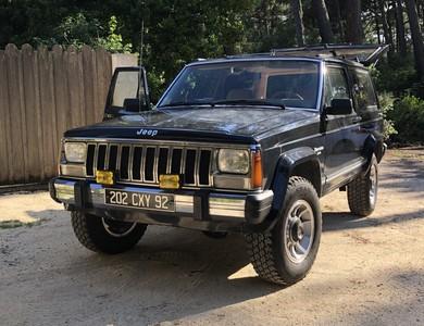 Jeep Cherokee 4,0 L Laredo à Lège-Cap-Ferret (Gironde)