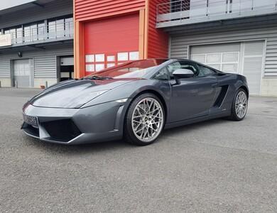 Lamborghini Gallardo Lp 560-4 à Marcq-en-Barœul (Nord)
