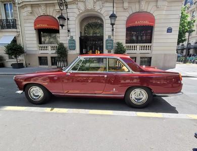Lancia Flaminia à Courbevoie (Hauts-de-Seine)