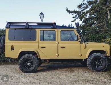 Land Rover Defender 110 à Bourdalat (Landes)