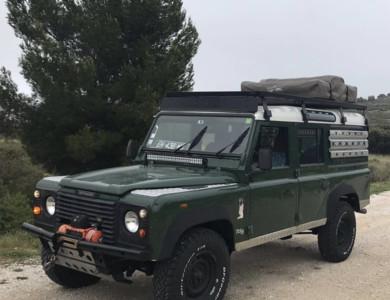 Land Rover Defender à Marseille (6ème arr.)