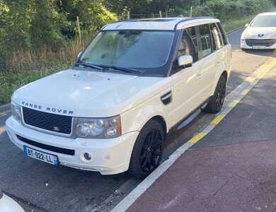 Land Rover Hse Sport à Livry-Gargan (Seine-Saint-Denis)