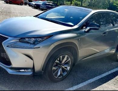 Lexus Nx Hybride à Divonne-les-Bains (Ain)