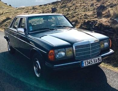 Mercedes-benz 300 à Seignosse (Landes)
