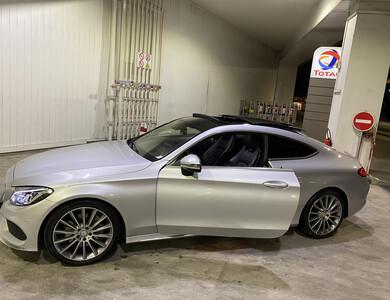 Mercedes-benz C250 Coupé à Courbevoie (Hauts-de-Seine)