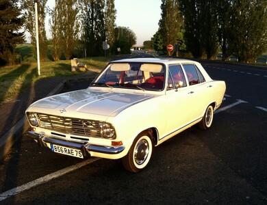 Opel Kadett B à Senlis (Oise)