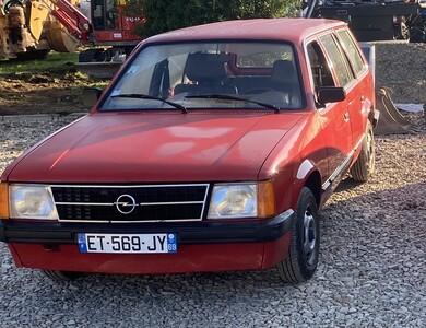 Opel Kadett à Cours (Rhône)