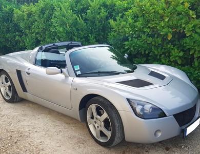 Opel Speedster à Belmont-Tramonet (Savoie)