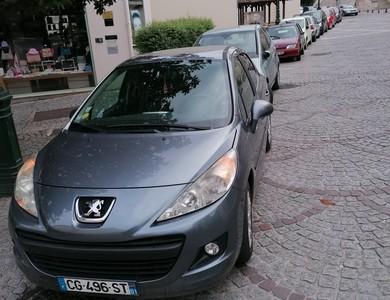 Peugeot 207 à Vitry-sur-Seine (Val-de-Marne)