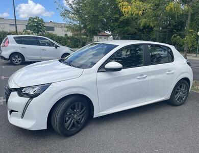Peugeot 208 à Angoulême (Charente)