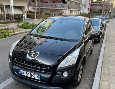 Peugeot 3008 à Massy (Essonne)