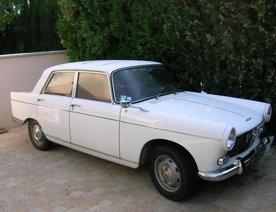 Peugeot 404 à Vaulx-en-Velin (Rhône)