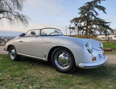 Porsche 356 Speedster à Courbevoie (Hauts-de-Seine)
