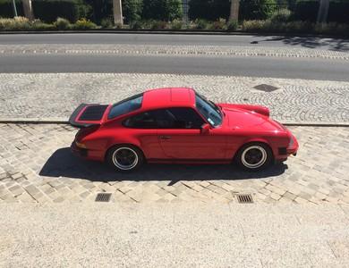 Porsche 911 à Suresnes (Hauts-de-Seine)