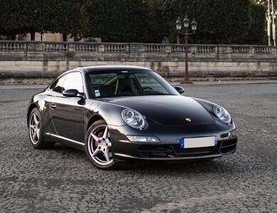 Porsche 911 Type 997 Carrera à Paris (14ème arr.)