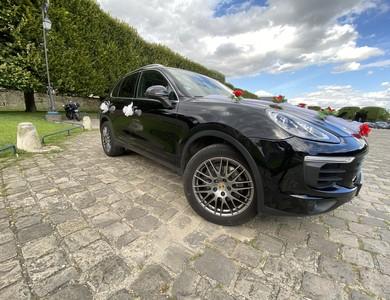 Porsche Cayenne à Montfort-l'Amaury (Yvelines)
