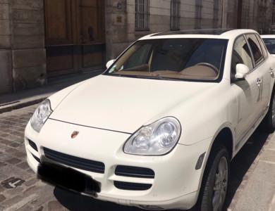 Porsche Cayenne S V8 à Paris (5ème arr.)