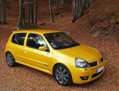 Renault Clio Rs à Vern-sur-Seiche (Ille-et-Vilaine)